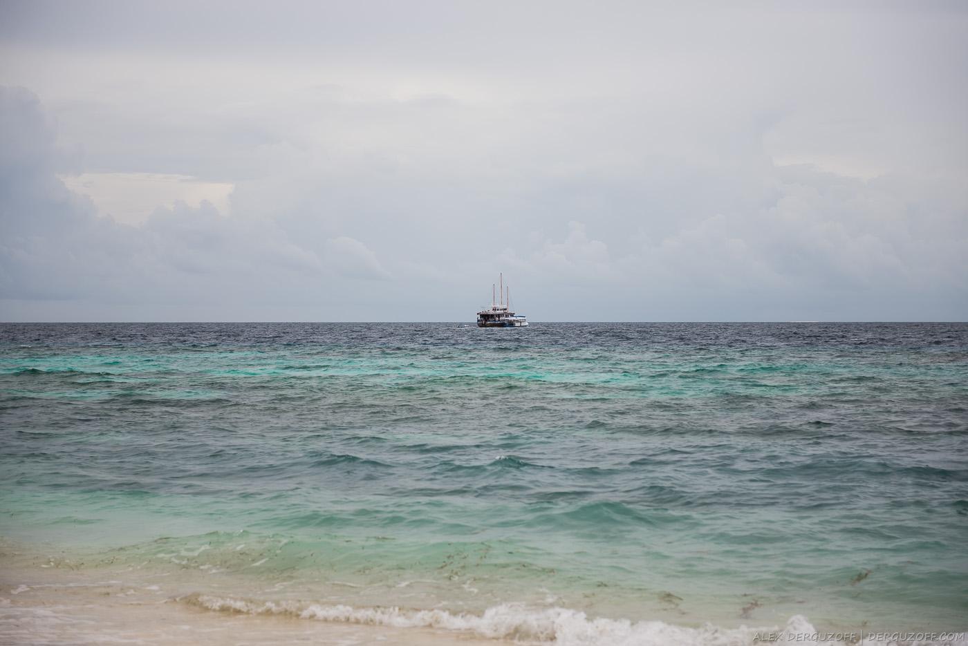 Лодка с баром Маафуши