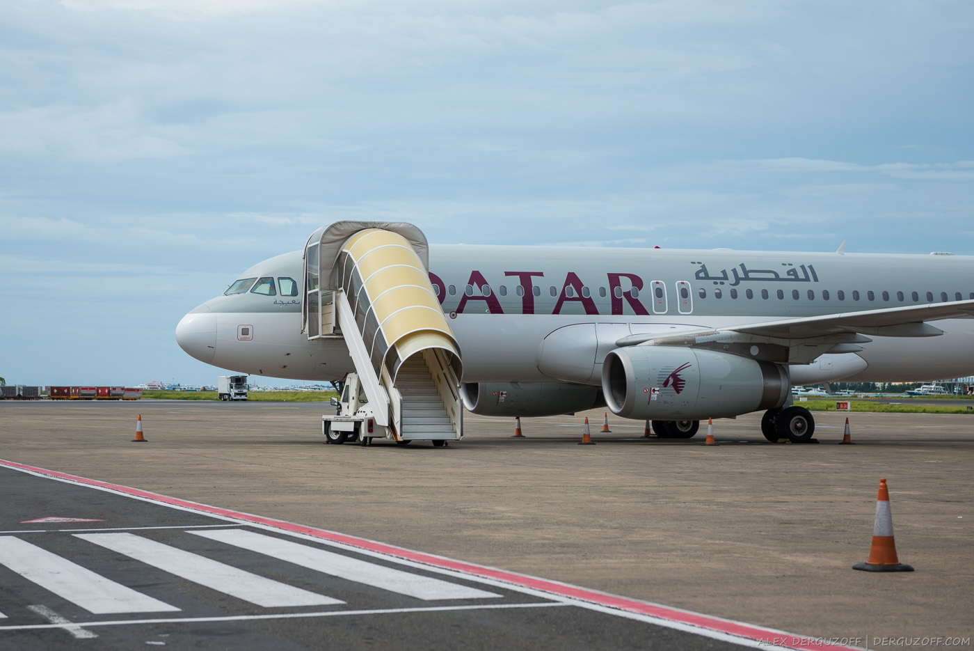 Самолет Qatar Airways