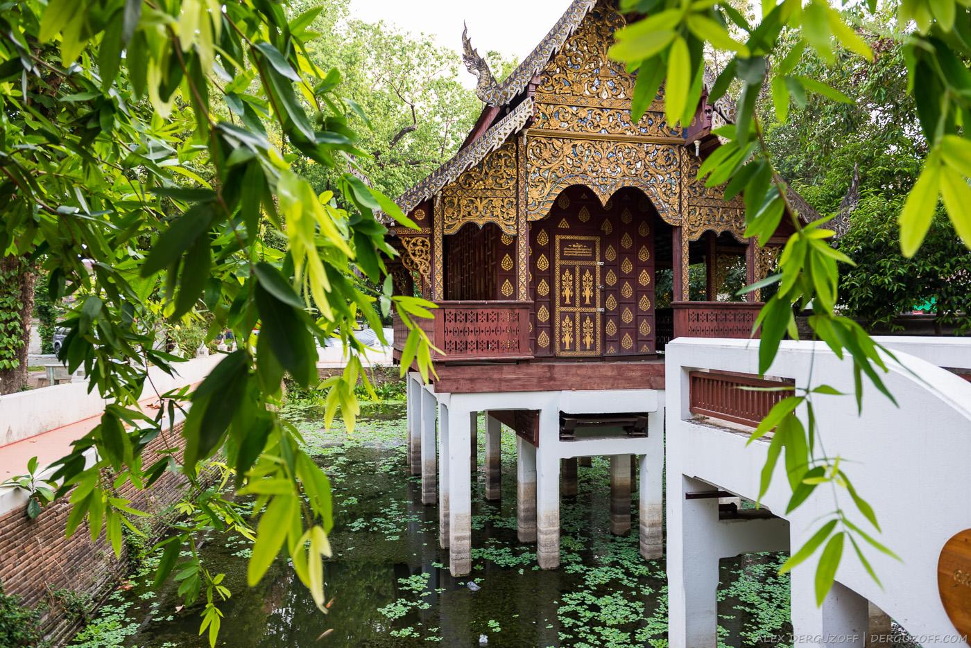 Храм на воде Чиангмай