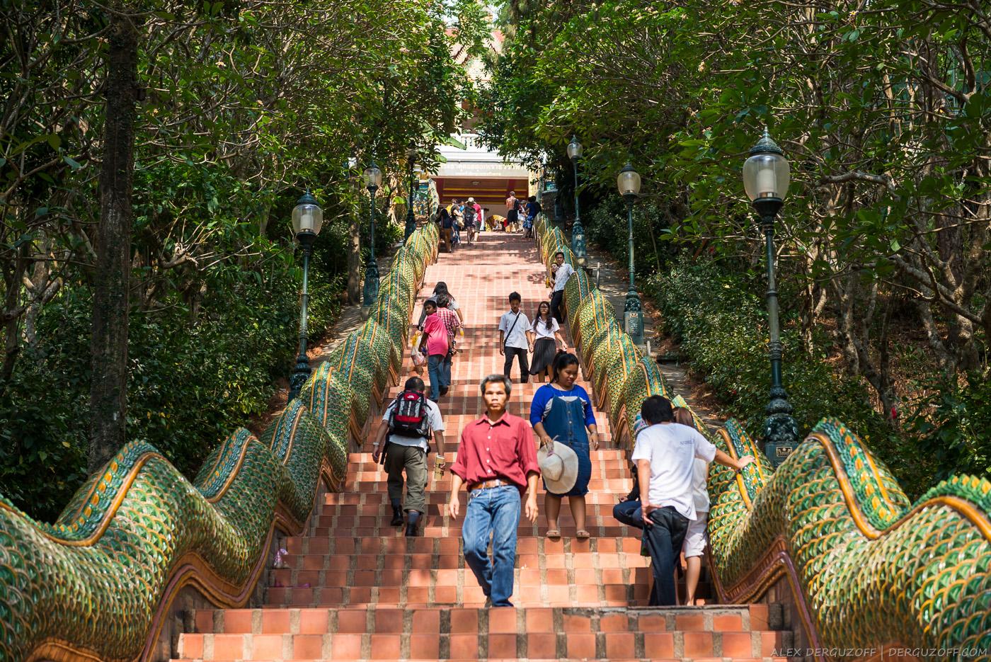 Лестница Ват Прахат Дой Сутхеп