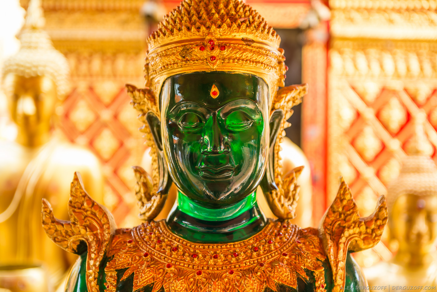 Лицо нефритового Будды Таиланд