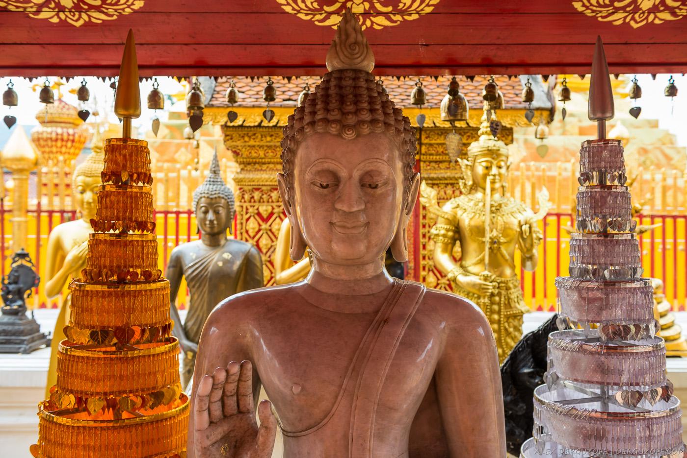 Розовый Будда Чиангмай