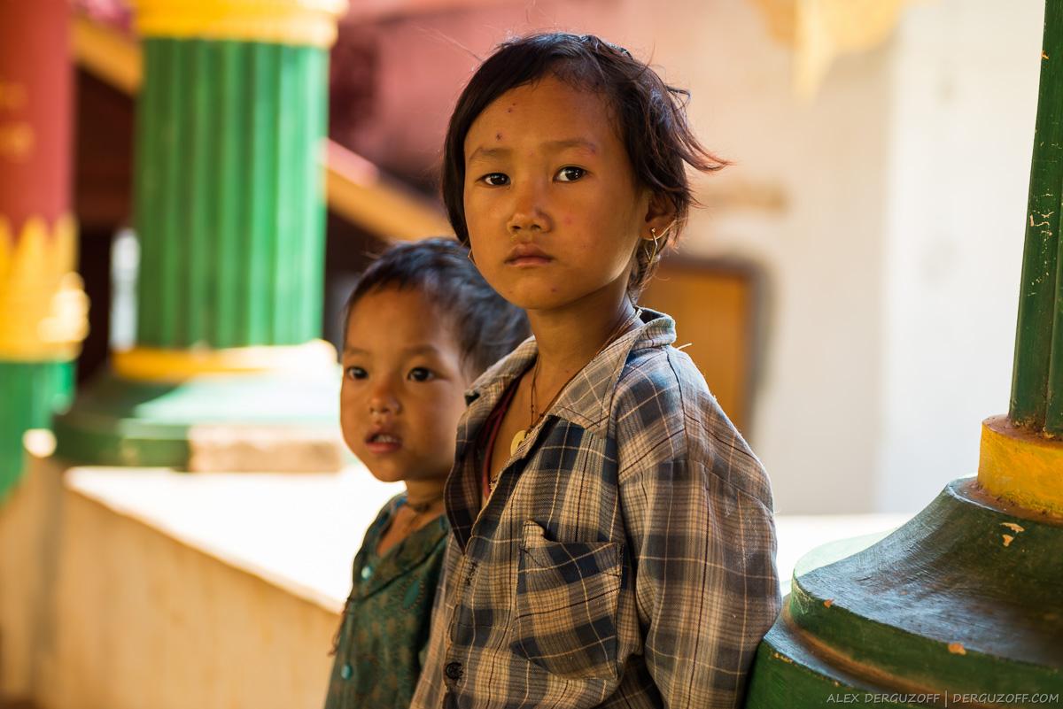 Голодные дети Мьянма озеро Инле