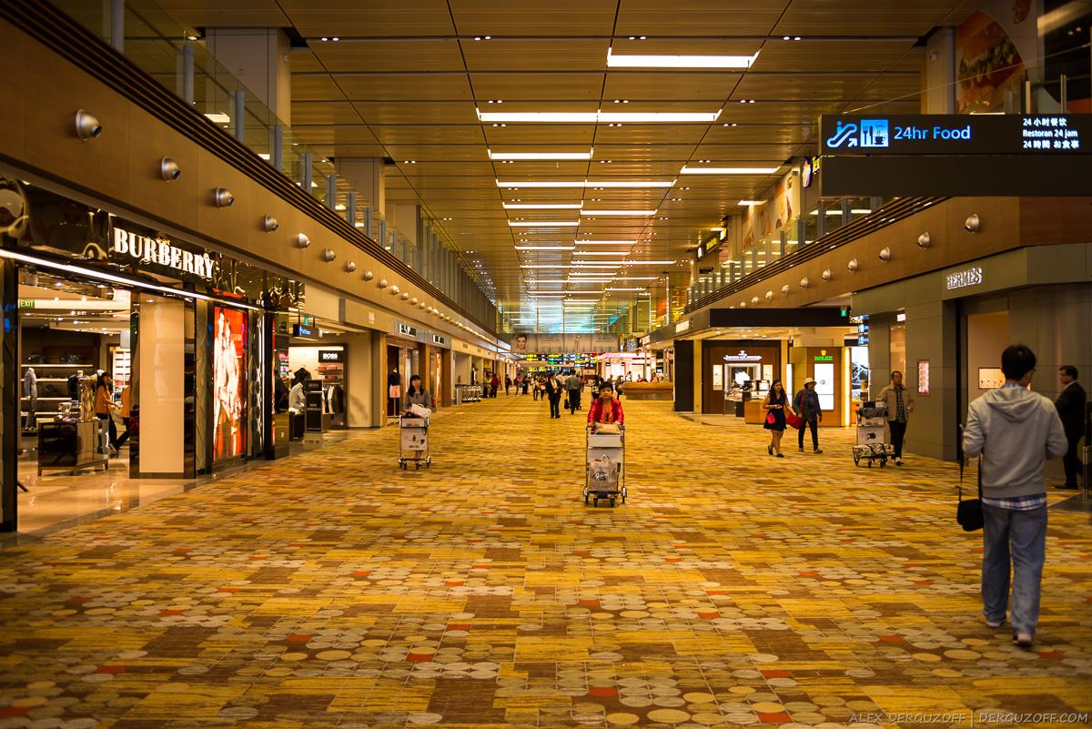 Сингапур аэропорт бутики мировых брендов