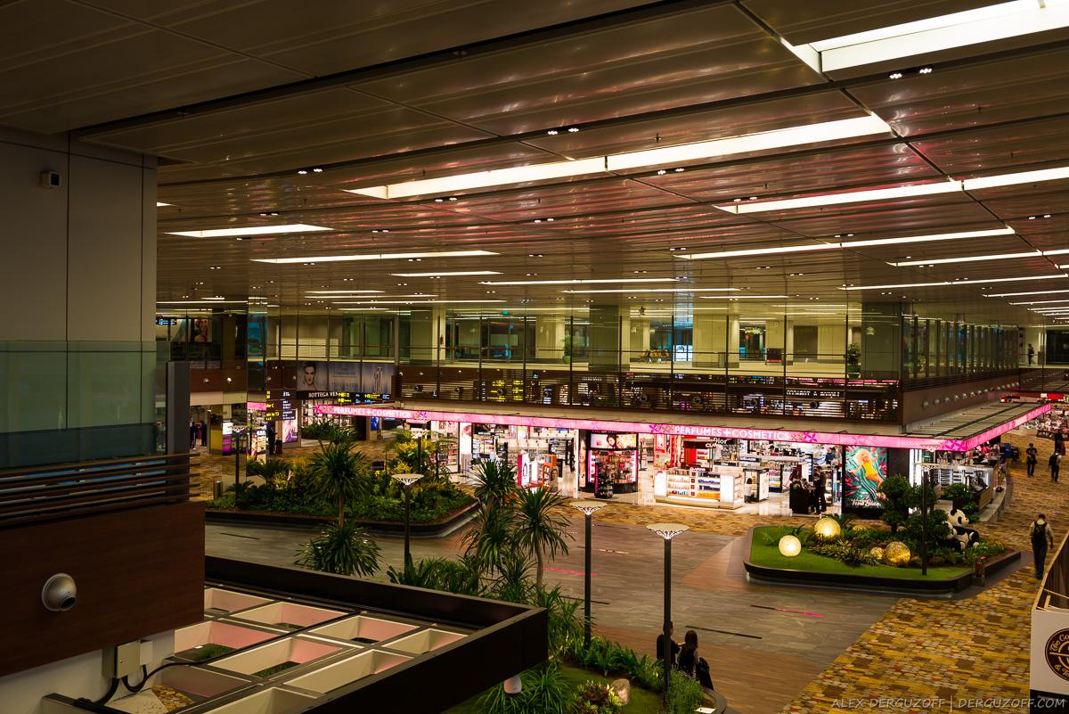 Второй уровень аэропорта