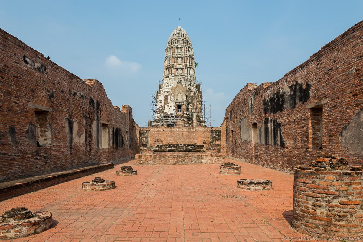 Раскопки древних зданий