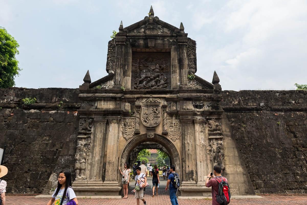 Ворота в Форт Сантьяго Манила