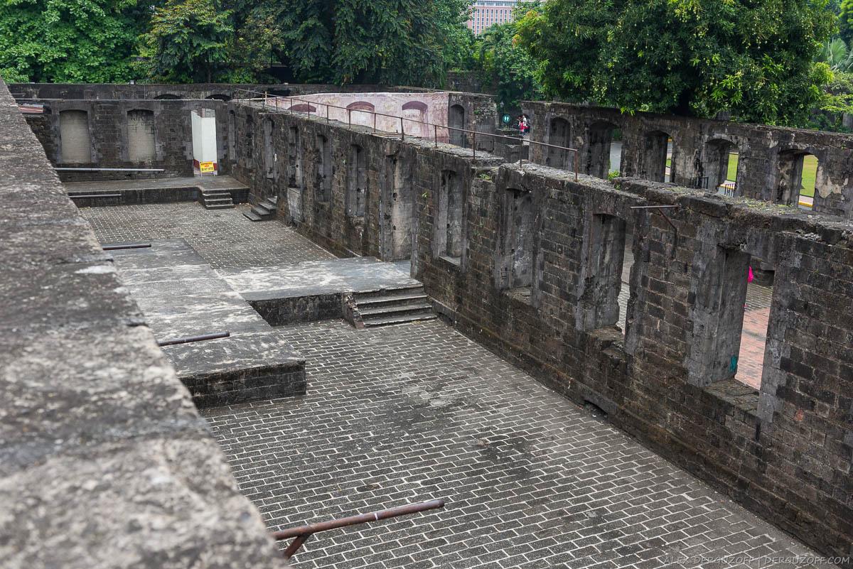 Каменные стены Форта Сантьяго