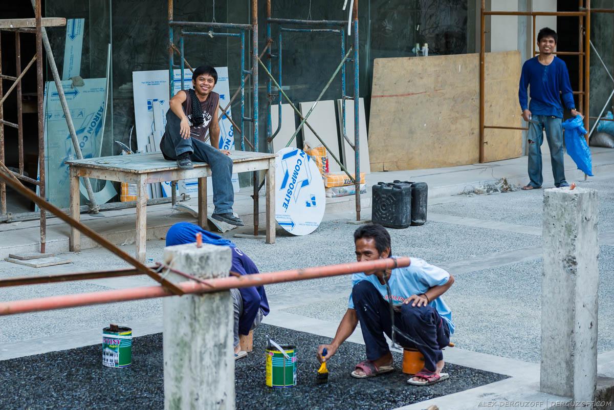 Филиппинские рабочие на стройке