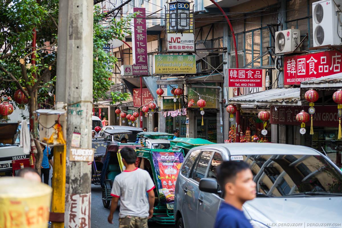 Китайские магазины с красными вывесками
