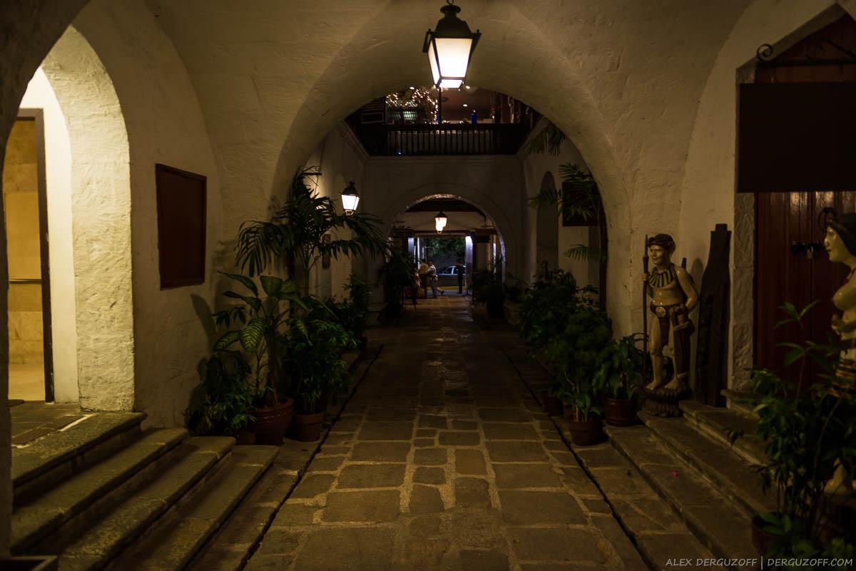 Филиппинский двор в испанском стиле