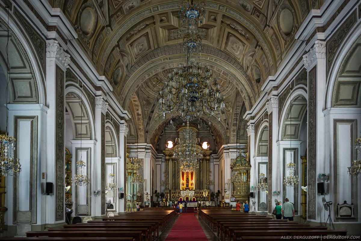 Главный зал в соборе Святого Августина Филиппины Манила