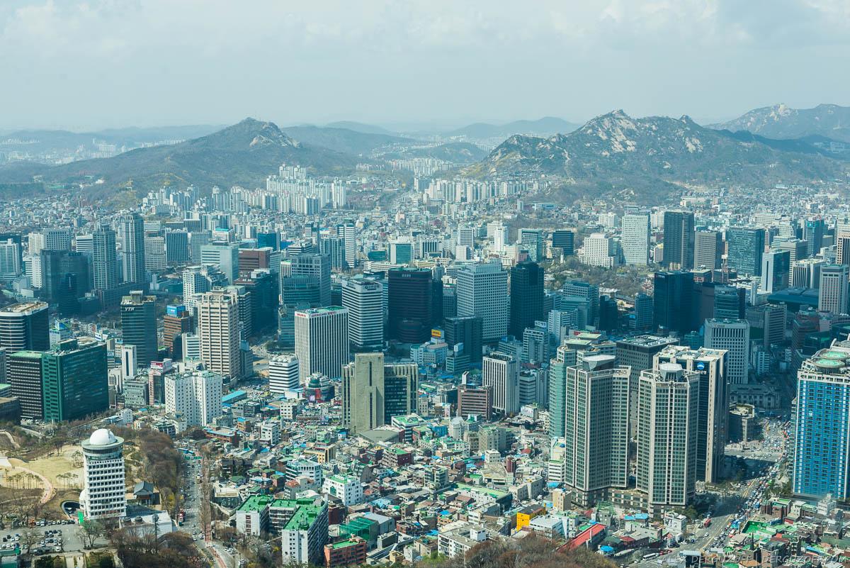 Панорамный вид на Сеул с башни N