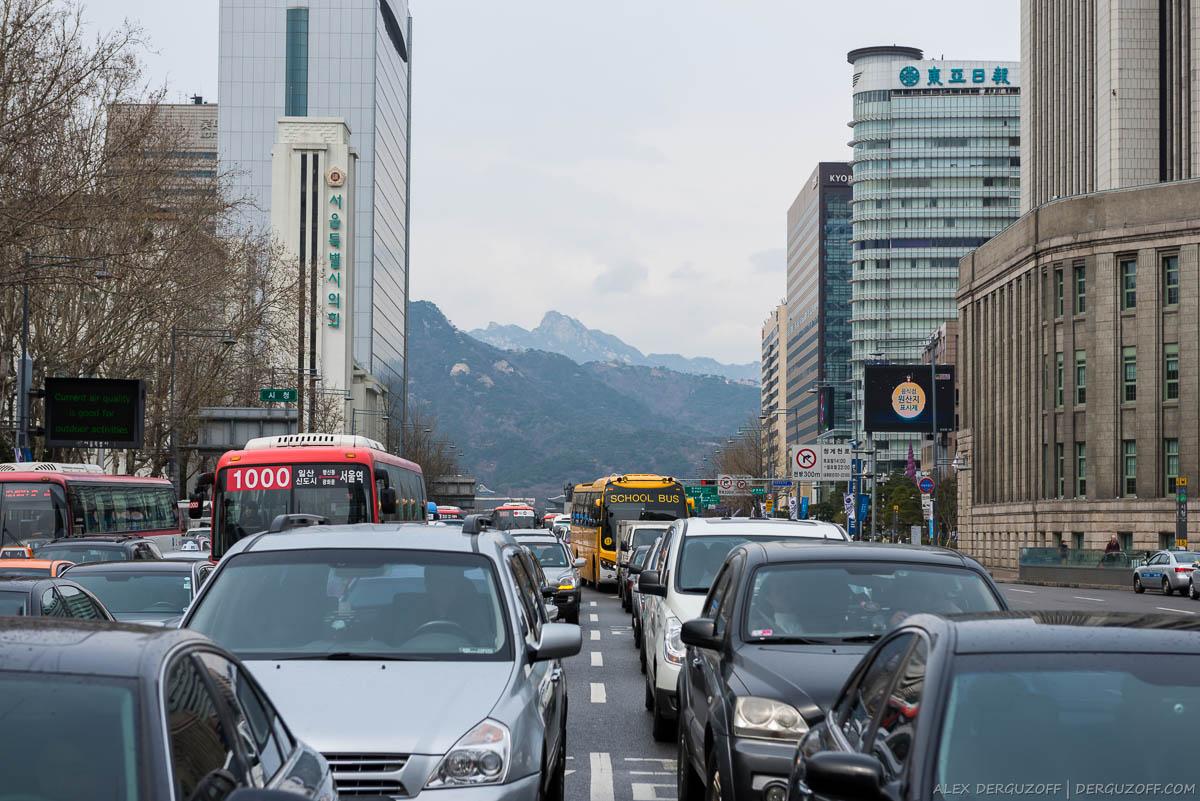 Вид на горы из города Южная Корея Сеул