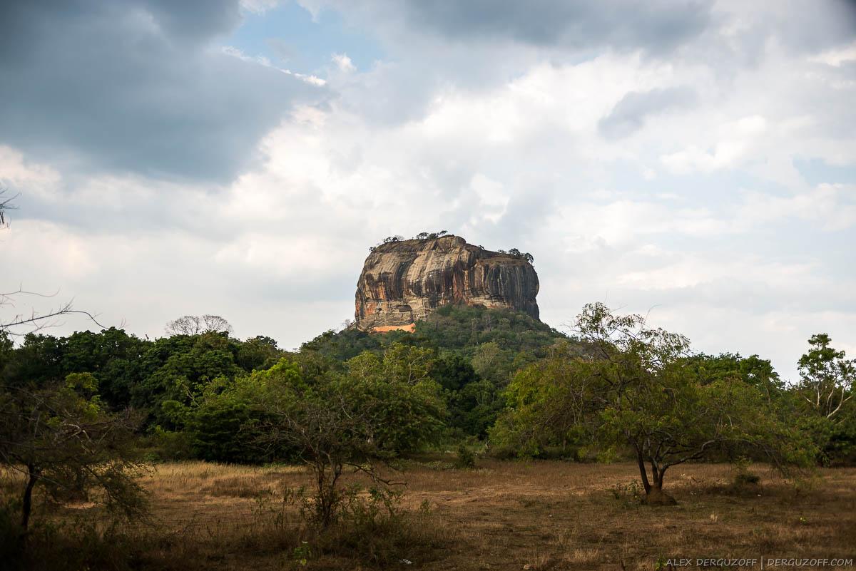 Тучи над Сигирией Шри-Ланка