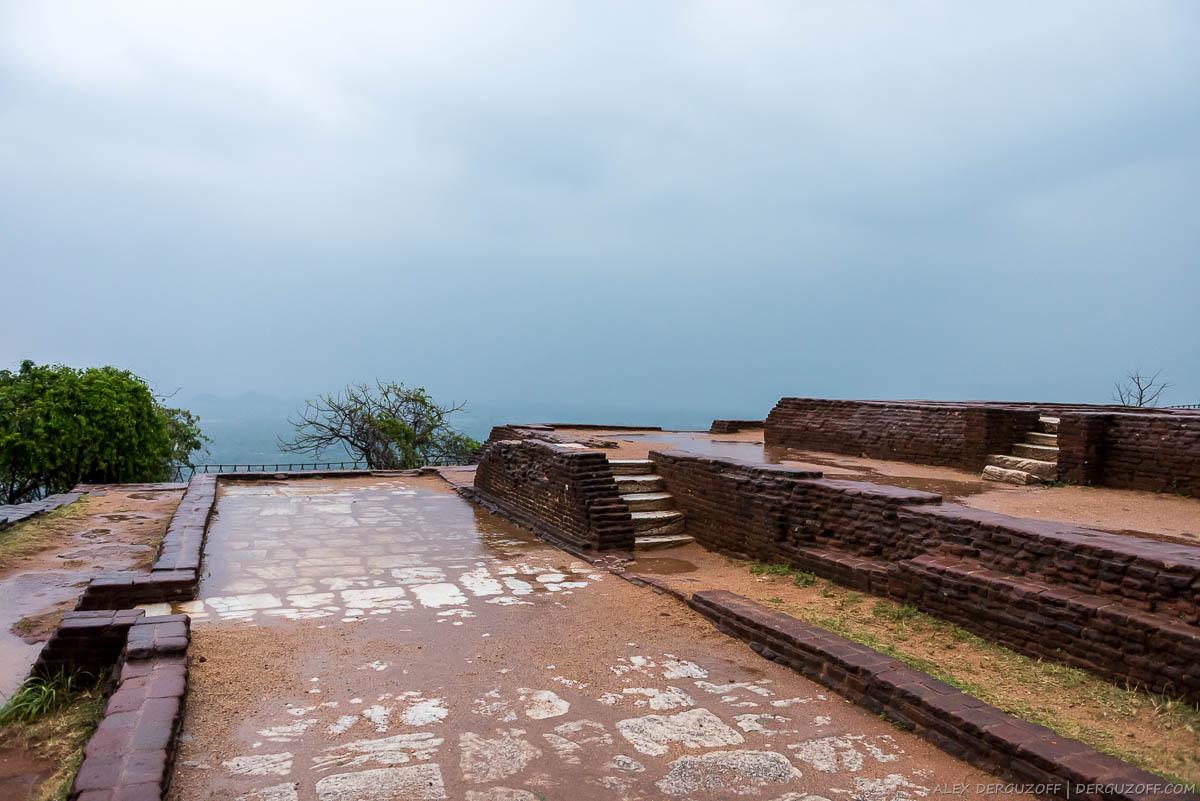 Кирпичная кладка древних строений