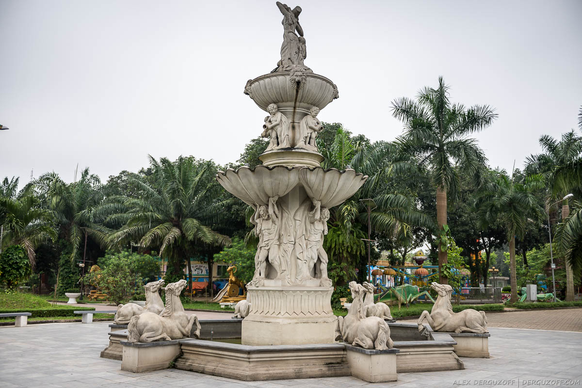 Фонтан в парке Вьетнам Винь