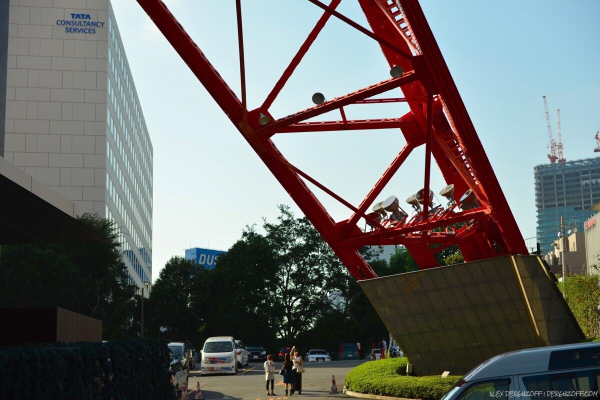 Опора телебашни в Токио